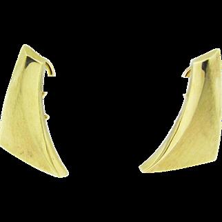 Vintage 1970's 14 karat yellow gold dangling earrings.