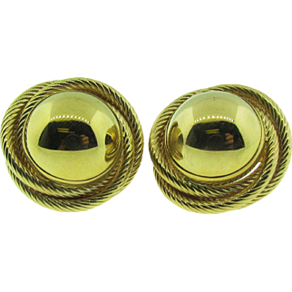 14 karat yellow gold vintage button earrings. Classic!