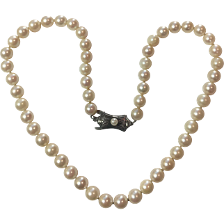 Vintage Art Deco Classic Cultured Pearl necklace: very round high quality pearls