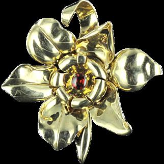 1950s French Orange Garnet Cabochon Gold Flower Brooch 18 Karats gold yellow