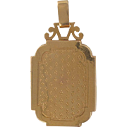 19th Century French Rectangular Engraved Gold Locket Pendant Medallion 18 Karats gold yellow