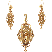 French Napoleon III Fine Pearl 18 Karats Rose Gold Dangle Earrings and Pendant Parure
