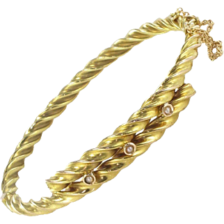 Antique Twisted Gold and Fine Natural Pearl Bangle Bracelet 14 Karats gold yellow