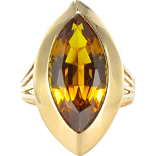 1970s French Citrine 18 Karats gold yellow Vintage Cocktail Ring