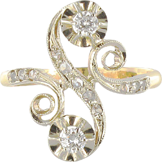 1900s French Art Nouveau Antique Diamond Two Gold S-Shaped Ring 18 Karats gold yellow and white