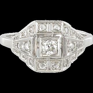 French 1930s Art Deco Platinum 18 Karats White Gold Diamond Ring