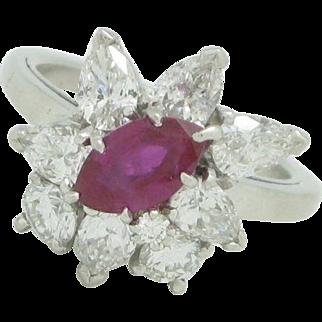 Beautiful Vintage Ladies Platinum 1.78ctw Ruby & Diamond Cocktail Right Hand Ring