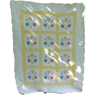 Vintage 1920s Pa Appliqué  Hand Made Quilt