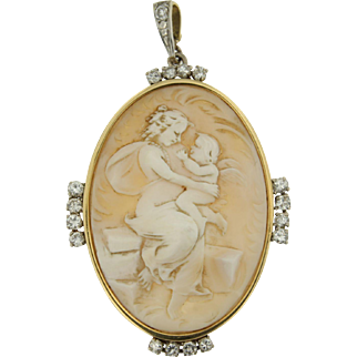 Early 20th Century Mother and Child Cameo Pendant