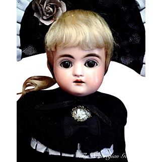 "SOLD INHOUSE | Kestner Alphabet Series Puppe ~ ""F"" ~ Antique Bisque Doll"