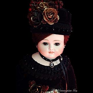 "Elegant Early Antique Johann Kestner Doll ~ 21"" ~ Closed Mouth"