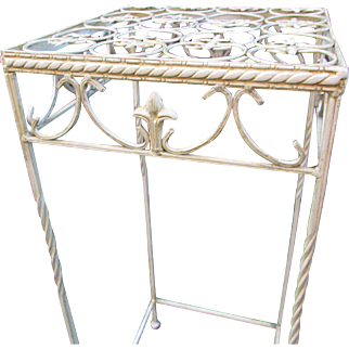 Tall Metal Plant Stand.  Vintage Decorator Stand for Porch, Patio or Home