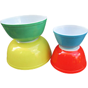 Set of 4 Pyrex Primary Colors Mixing Bowls. - Red Tag Sale Item