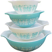 Set of 4 Pyrex Cinderella Mixing Bowls.  Nesting Amish Butterprint. Turquoise and White