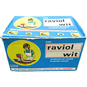 Ravioli Maker in Original Box. Ravioli Wit. Made in Italy. Great Condition. Appears Unused. New Old Stock