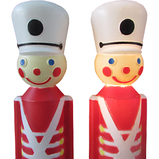 Set of 2 Large Toy Soldier Blow Molds. 1987 Union Products. Lighted Christmas Blow Molds Yard Display Lawn Decoration Electric Cords and Lights