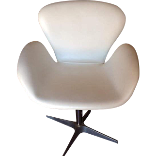 Aviator White Leather Swan Chairs