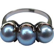 Beautiful 10k Gold Three Pearl Vintage Ring