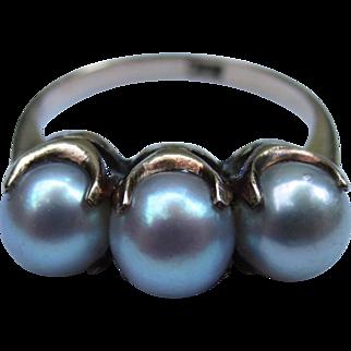 Beautiful 10k Gold Three Pearl Vintage Ring