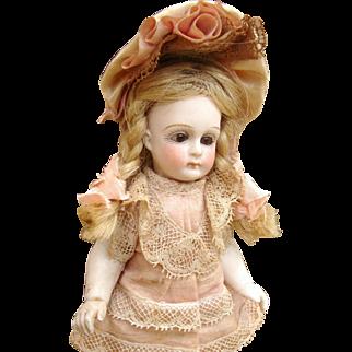 Adorable antique all bisque JULLIEN Mignonette
