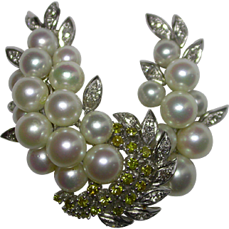 18K White Gold, Cultured Pearl and Natural Diamonds Brooch