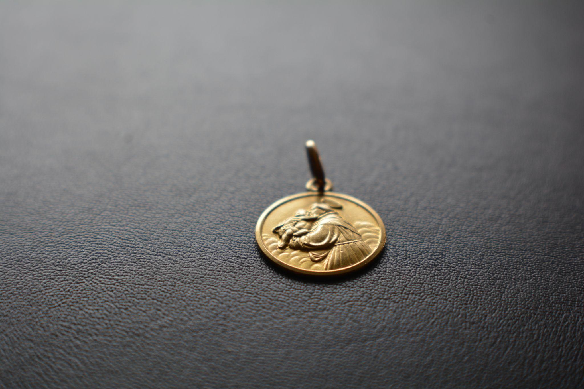 Gold 750 1 ar