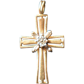 Custom Vintage one-of-a-kind 14K Yellow Gold and Diamond Cross 1.6 Grams