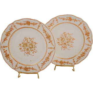 18th Century Chinese Export Plates Pair