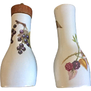Royal Worcester Evesham Salt and Pepper Mill, Vintage 1970's