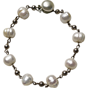 Vintage Fresh Water Pearl Bracelet with Silver Tone Link