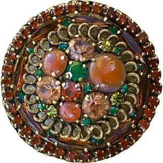 A classic vintage Weiss rhinestone pin