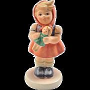Hummel petite figurine, Girl with Doll 239/B
