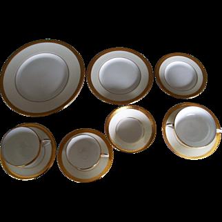 Minton Bone China K156 T Goode & C0 127 Piece Dinnerware Set