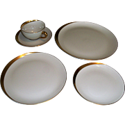 Pickard Jubilee Forty Piece Dinnerware Set Excellent