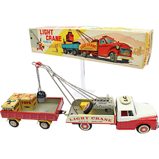 Red China Shanghai Tin Toy Car ME MS MF 809 LIGHT Crane Magnetic ca 1950 box MB