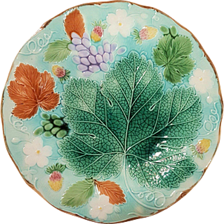 """Josiah Wedgwood & Sons - Dated: 1879 - Vine & Strawberry - Antique Majolica - Turquoise Ground - Perfect Condition - 8 5/8"""" - Plate"""