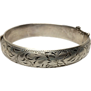 Exquisite Vintage Hinged Sterling Bangle Bracelet Engraved