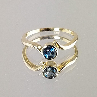 Blue Topaz Ring / 14k Yellow Gold