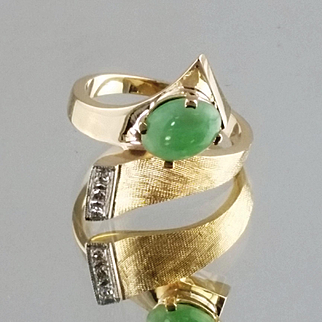 Jade and Diamond Ring / 14k Yellow Gold Vintage Ring