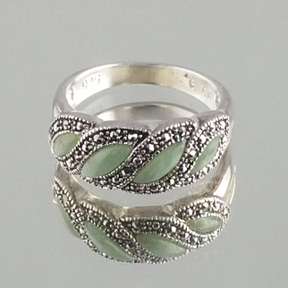 Jade-Marquise Ring / Sterling Silver