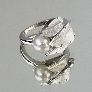 Pearl Ring / 14k White Gold Vintage 1920's