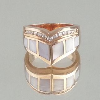 Mother of Pearl and Diamond Ring / 14k Rose Gold Vintage Kabana Design