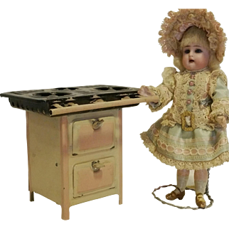 1925th Beautiful Vintage tin kitchen for dollhouses
