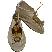 1900 Antique shoes in white cotton canvas and cardboard