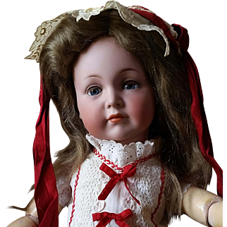 Lovely Kammer Reinhardt 117 Mein Leibling German Character 18 Inches Slightly Imperfect