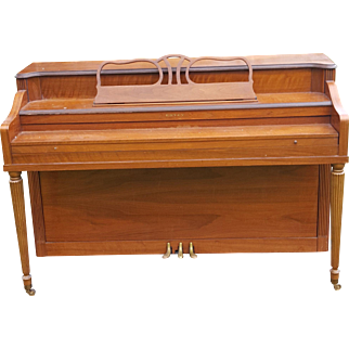 Wonderful Vintage Estey Upright Piano with Bench