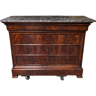 Louis-Philippe Flamed Mahogony Chest