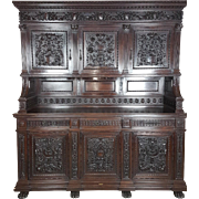 19th Century large antique Italian Renaissance gothic Style carved buffet sideboard