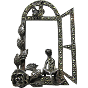Sterling Silver & Marcasite Cat & Mouse In Window 3D Brooch