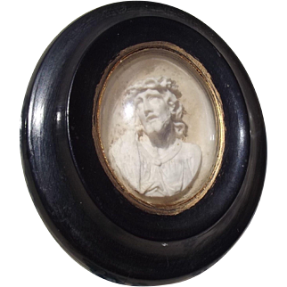 Antique French devotional Icon Carved Christ Crown of Thorns Jesus Domed Glass Frame